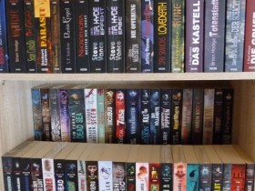 Bücherregal neu