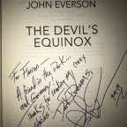 "Signiertes ""The Devil's Equinox"" von John Everson"
