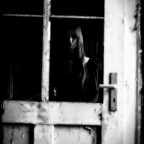 Die schlimmste Form von Einsamkeit ist die Isolation, die daher rührt, dass man nicht verstanden wird. Sie kann dazu führen, dass Menschen den Bezug zur Realität verlieren...